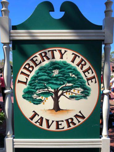 Vegan Disney Food Review: Lunch at Liberty Tree Tavern in the Magic Kingdom at Walt Disney World