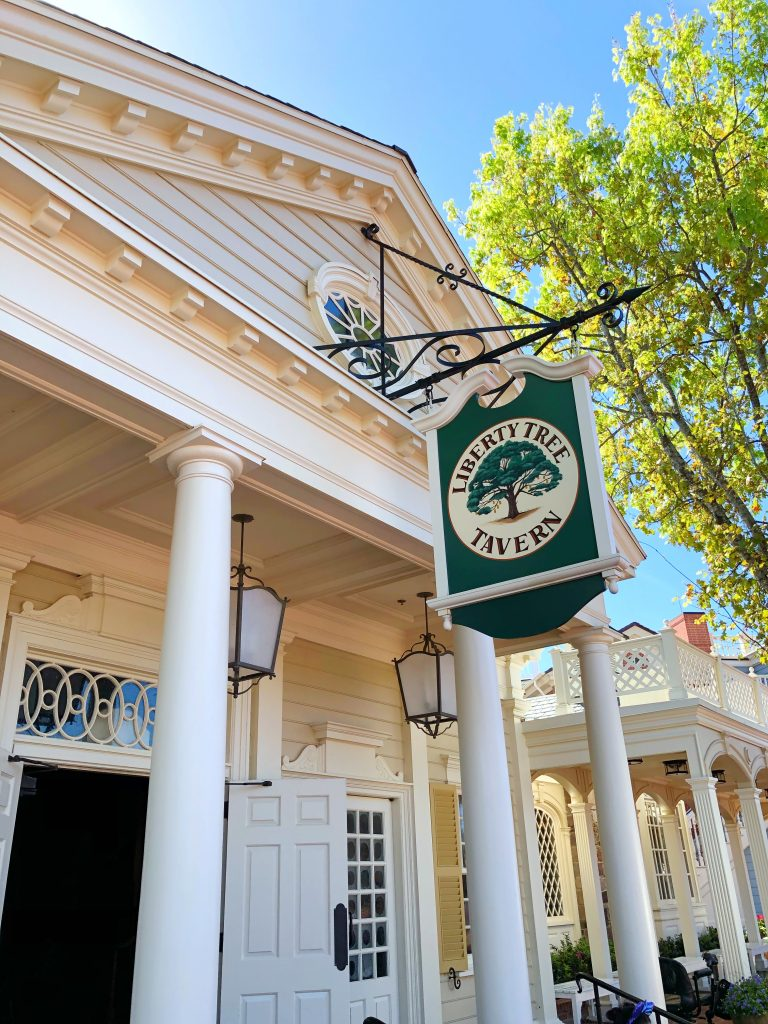Vegan Disney Food Review: Lunch at Liberty Tree Tavern in the Magic Kingdom at Walt Disney World