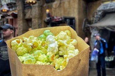 What's Vegan at Disney's Star Wars: Galaxy's Edge? - Kat Saka's Kettle Galaxy Grains Popcorn
