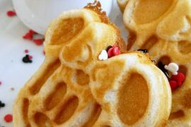 Vegan at Walt Disney World - Minnie Mouse Waffles at Chef Mickey's