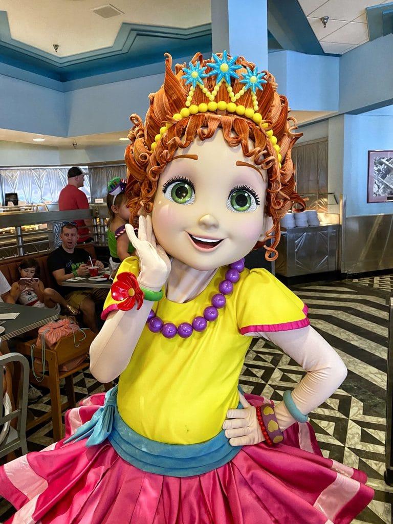 Hollywood and Vine Disney Junior Play 'n Dine