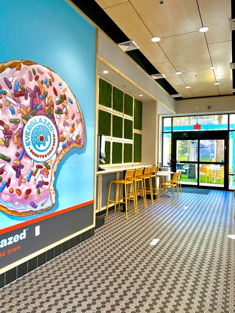 Everglazed Donuts interior
