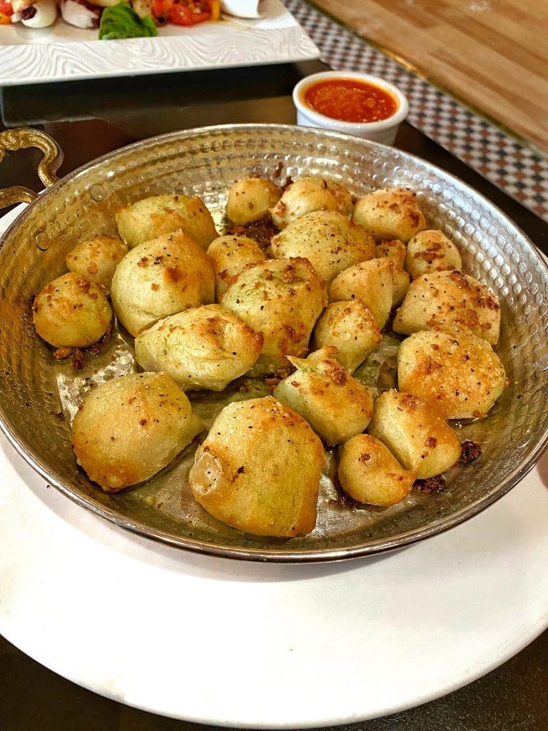 Trattoria al Forno vegan garlic knots