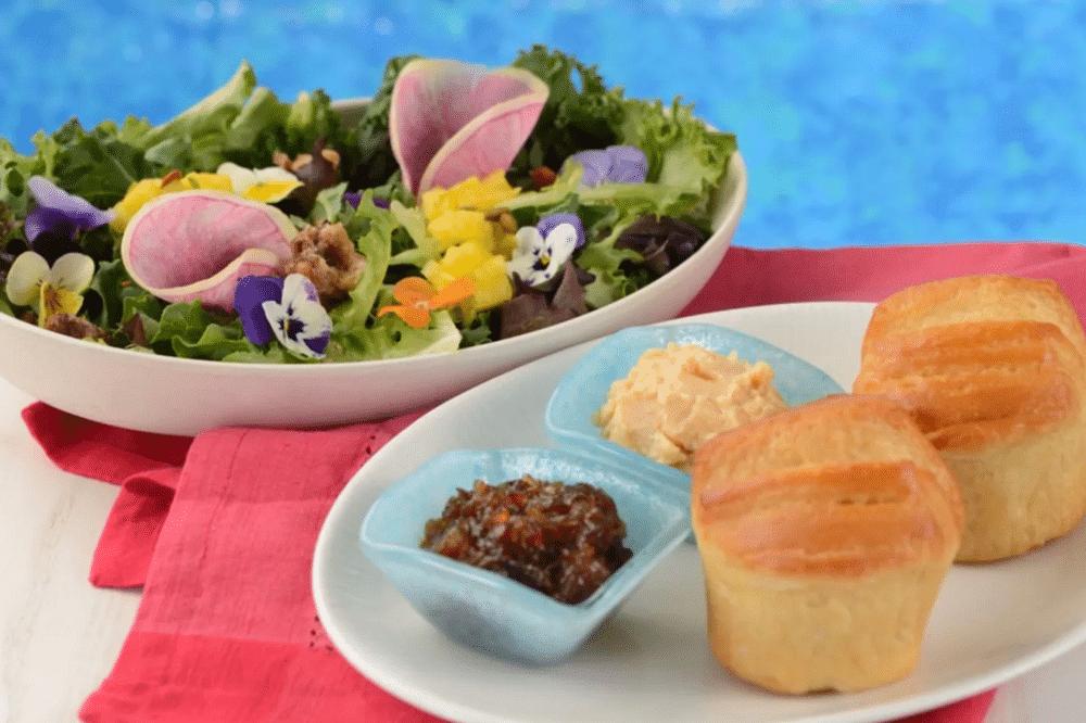 Sebastian's Bistro vegan salad bread